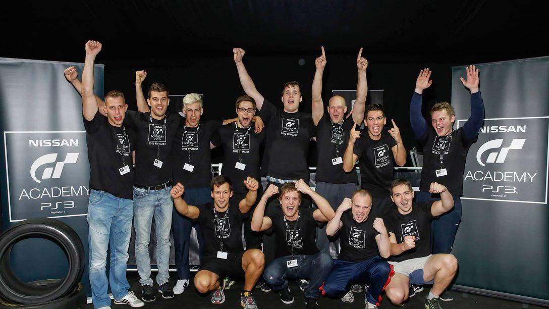 Das sind sie, die 12 Finalisten der GT Academy 2013 Deutschland
