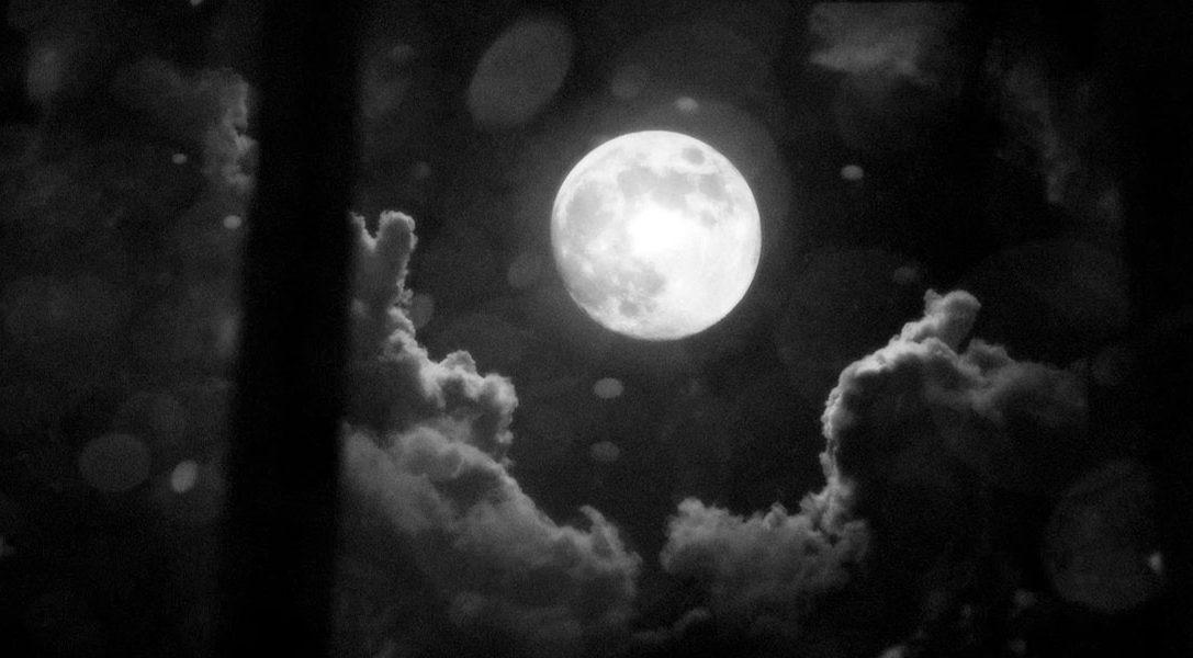 White Night und der Mond