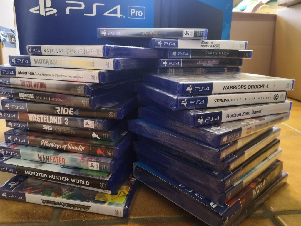 Pile of Shame scaled - Das sind die schlimmsten Angewohnheiten von Gamern